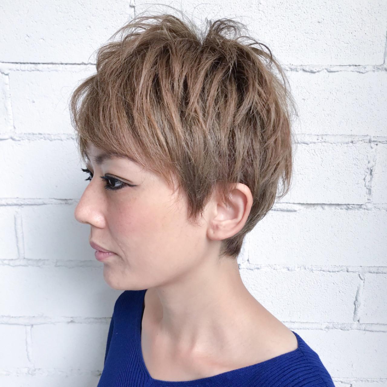 ハイトーン ベリーショート 金髪 かっこいい ヘアスタイルや髪型の写真・画像