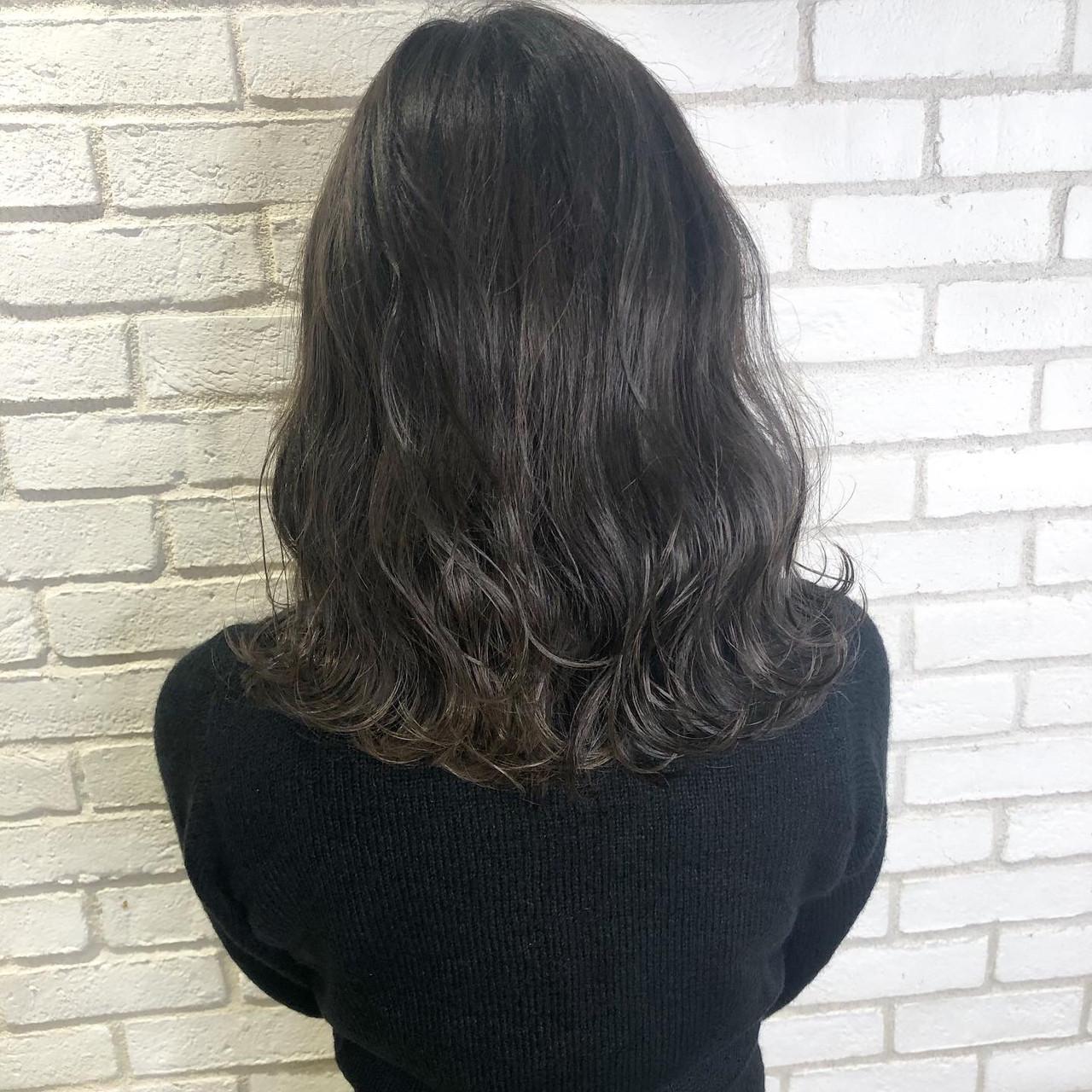 アッシュグレージュ アディクシーカラー アッシュグレー グレージュ ヘアスタイルや髪型の写真・画像 | 佐藤高徳 / RAFTOKYO