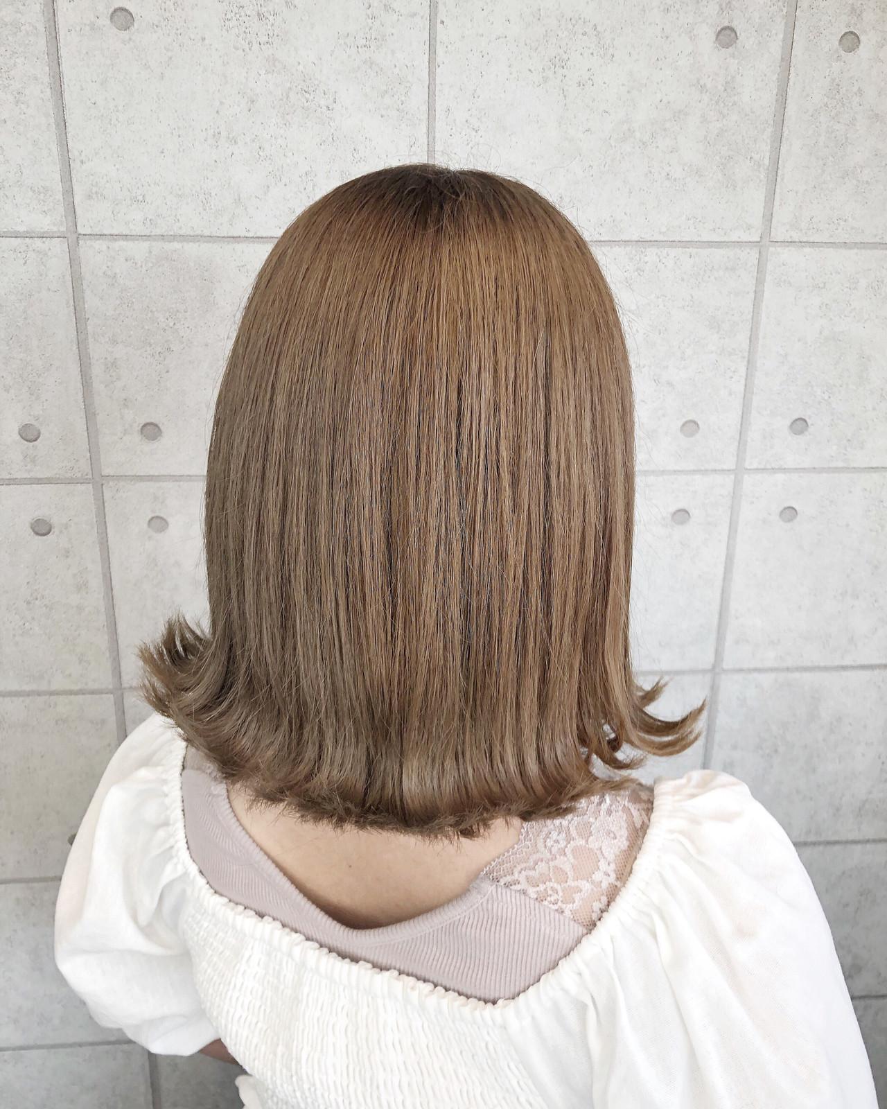 ミルクティーアッシュ ミルクティーベージュ ナチュラル ミルクティー ヘアスタイルや髪型の写真・画像