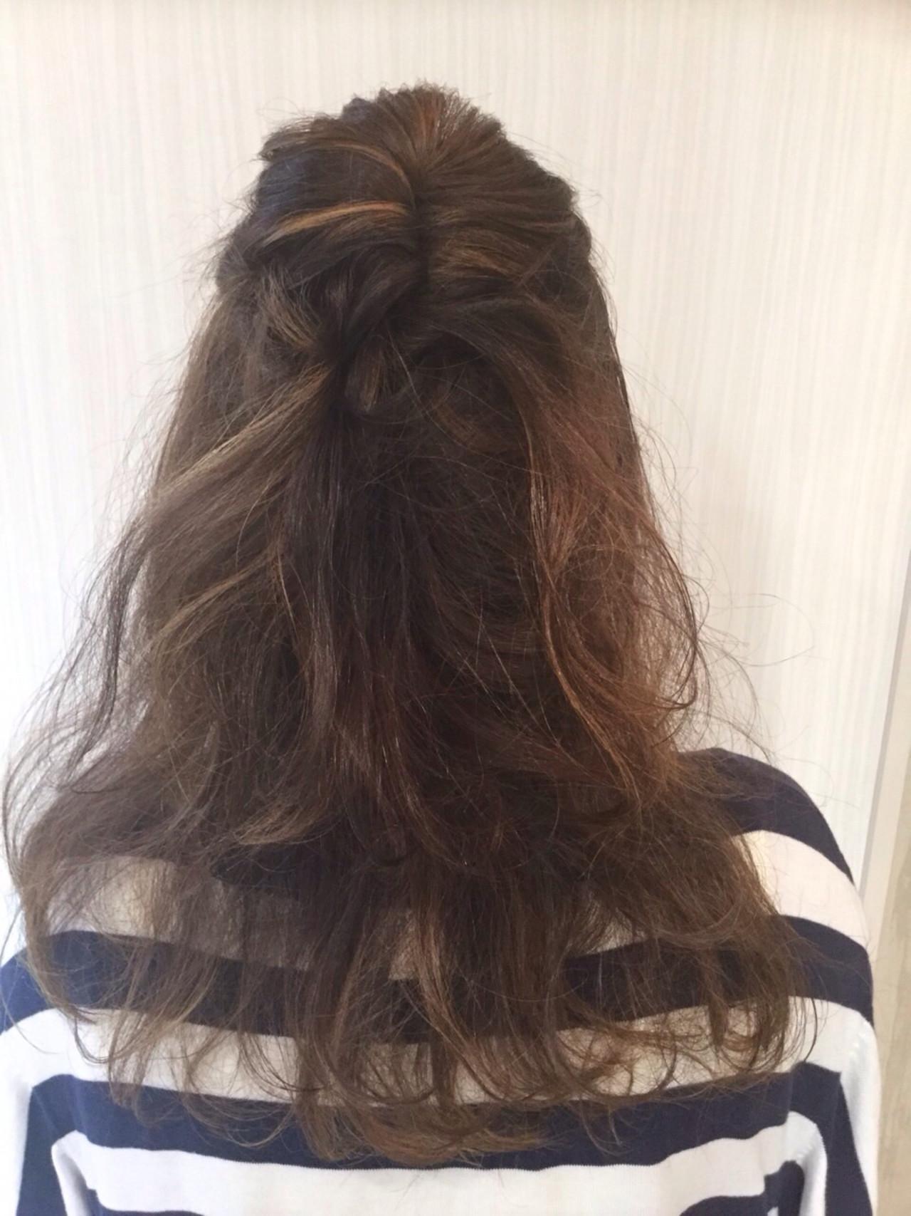 大人かわいい フェミニン 簡単ヘアアレンジ ハイライト ヘアスタイルや髪型の写真・画像