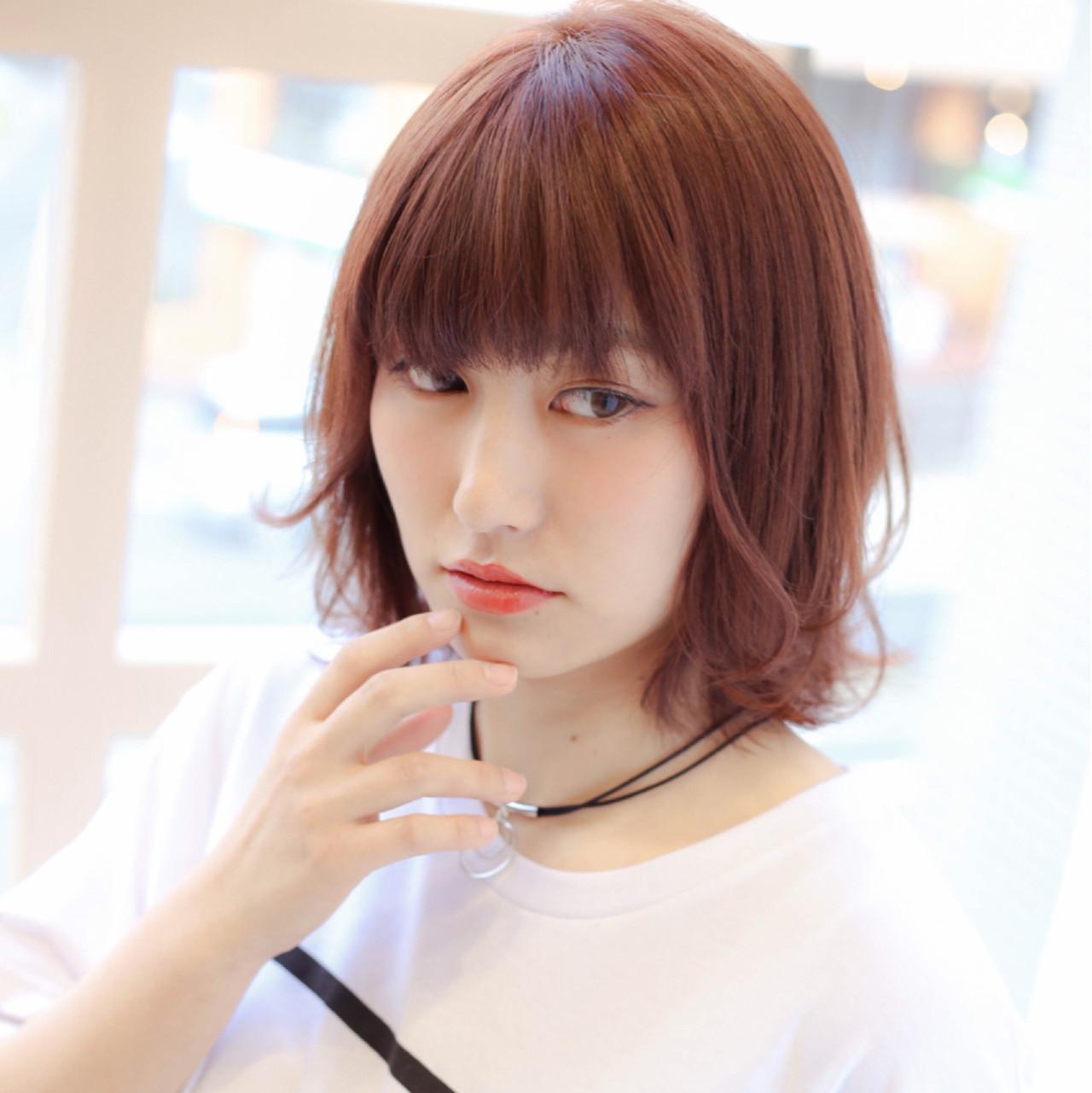 色気 ウルフカット レッド 前髪あり ヘアスタイルや髪型の写真・画像