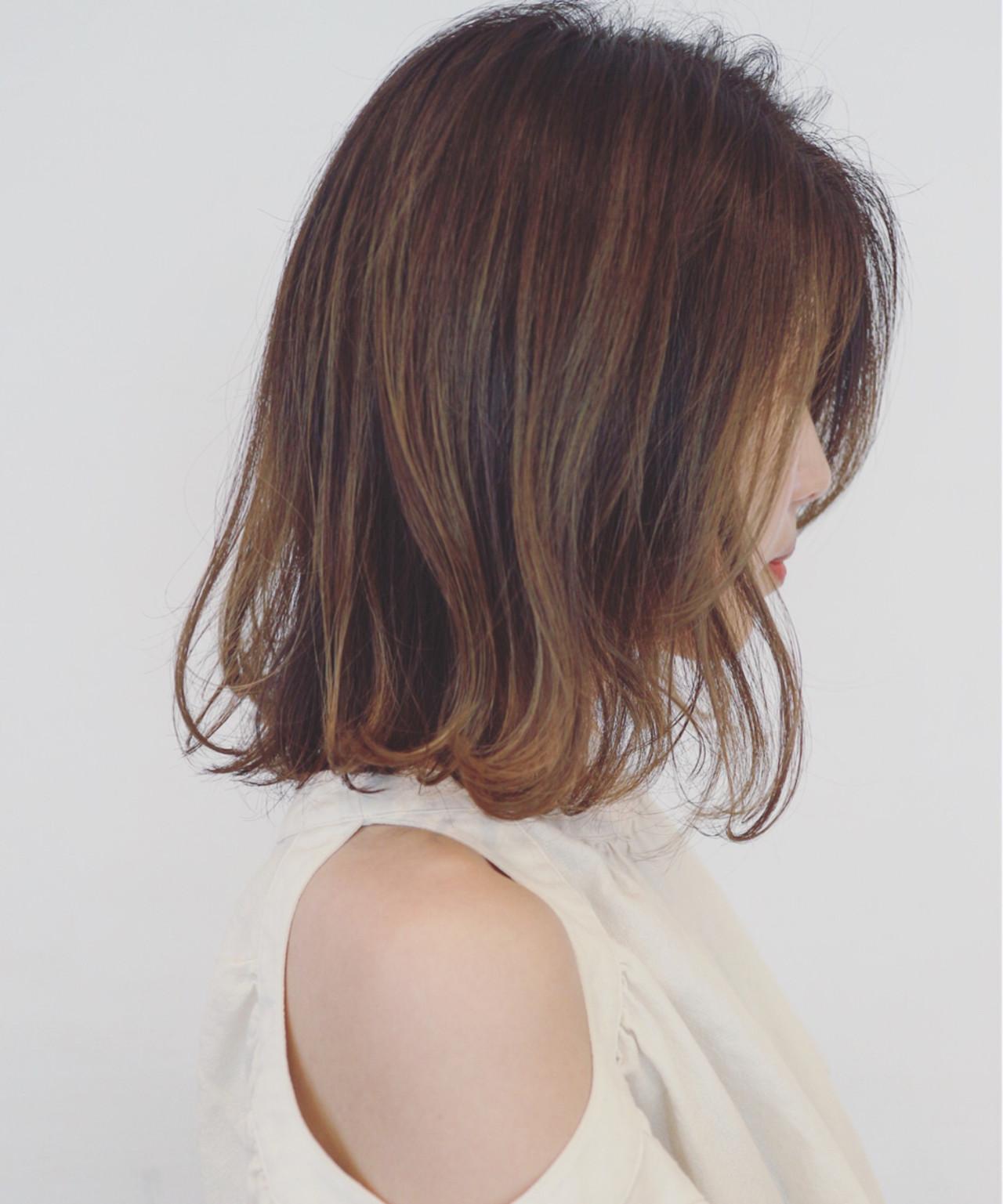 フェミニン ミディアム アンニュイ デート ヘアスタイルや髪型の写真・画像