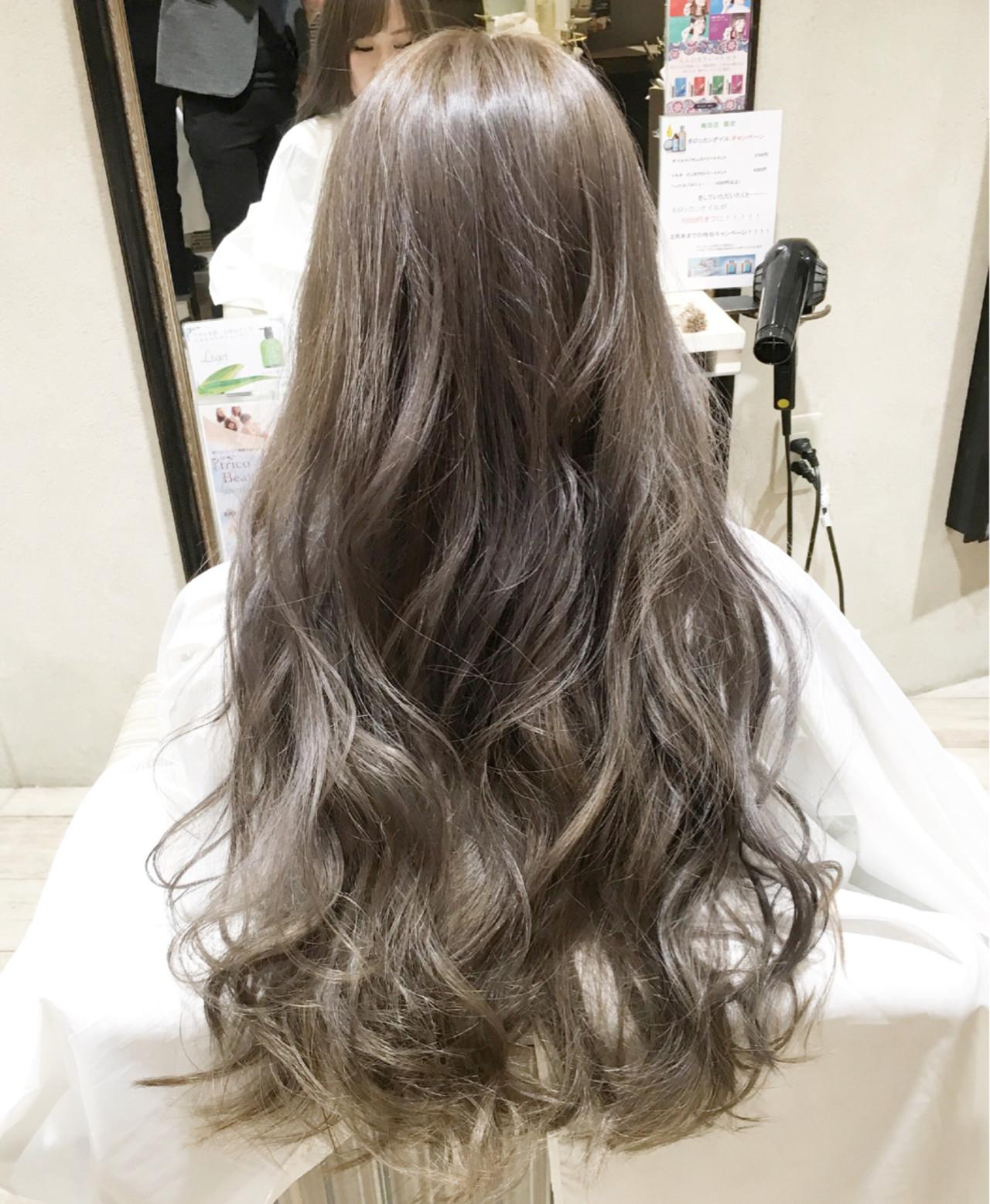外国人風 グラデーションカラー 暗髪 ゆるふわ ヘアスタイルや髪型の写真・画像