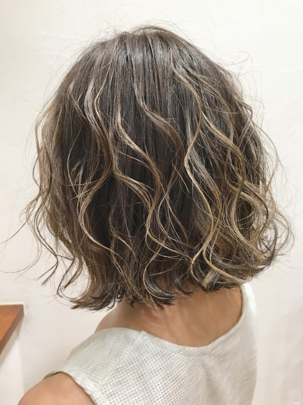 ハイライト グレージュ ボブ 外国人風 ヘアスタイルや髪型の写真・画像