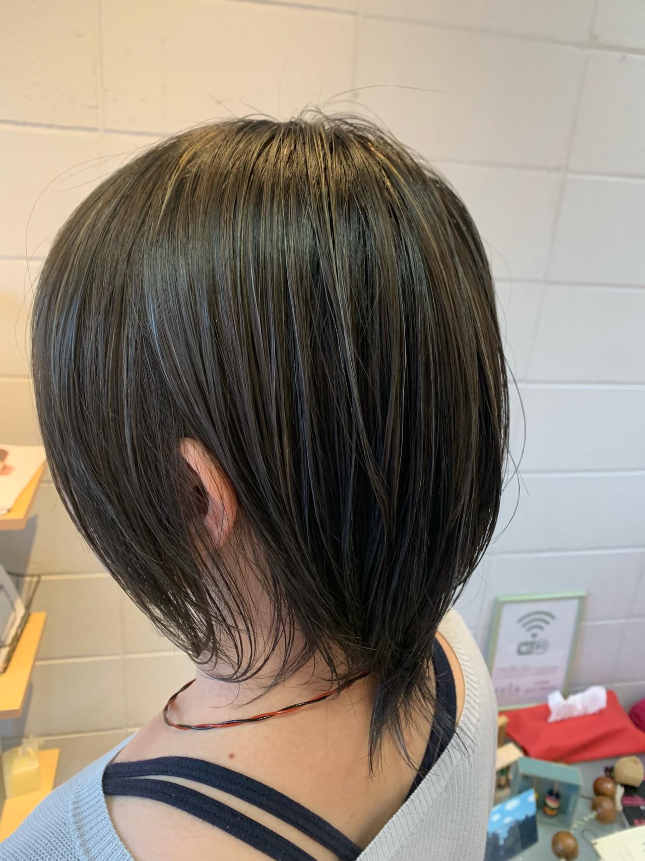 ハイライト 極細ハイライト 艶髪 ナチュラル ヘアスタイルや髪型の写真・画像