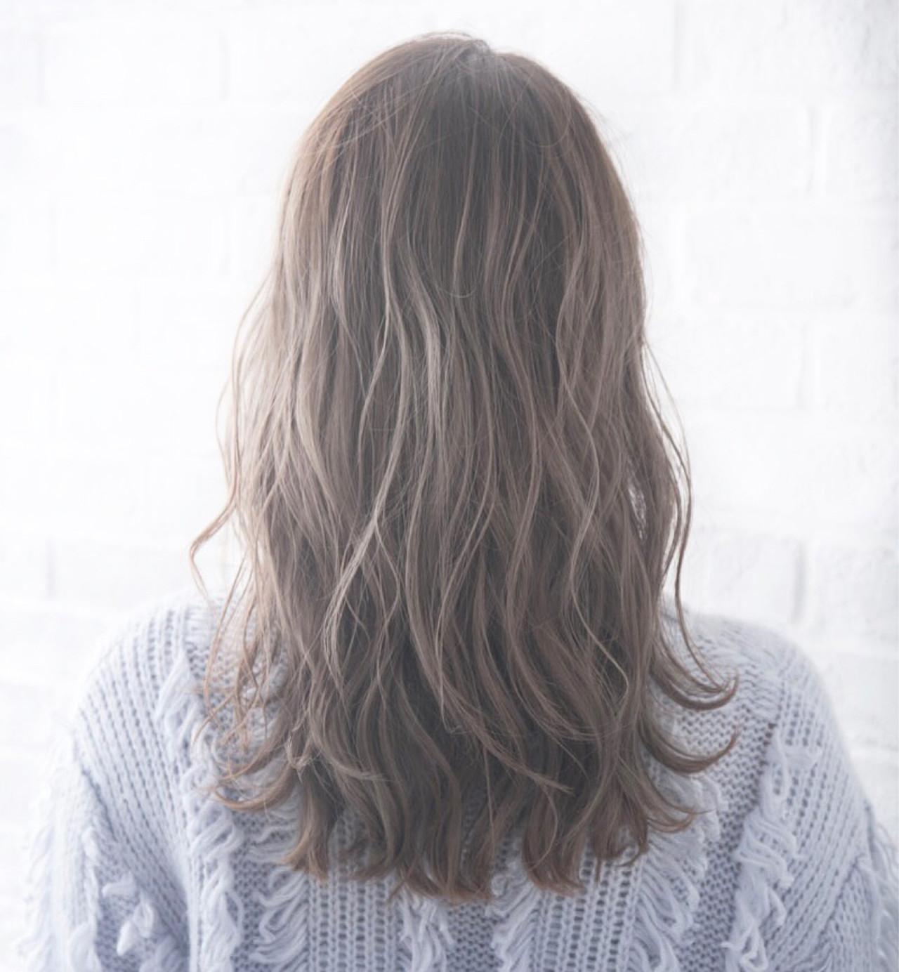フェミニン 黒髪 セミロング 大人かわいい ヘアスタイルや髪型の写真・画像