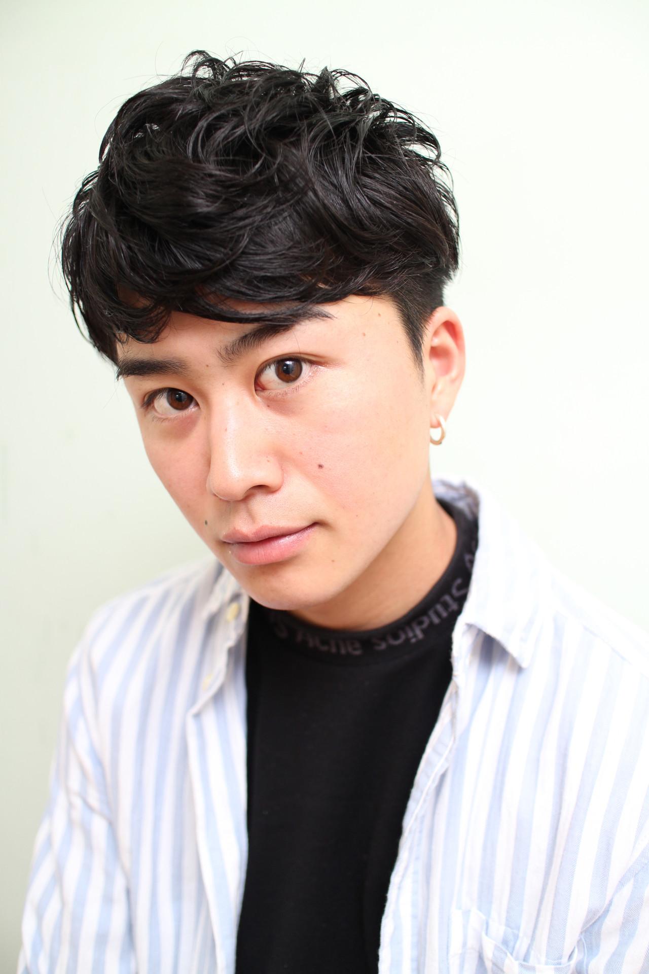 黒髪 ショート ツーブロック ナチュラル ヘアスタイルや髪型の写真・画像   勝永 智基 / BEAUTRIUM  265