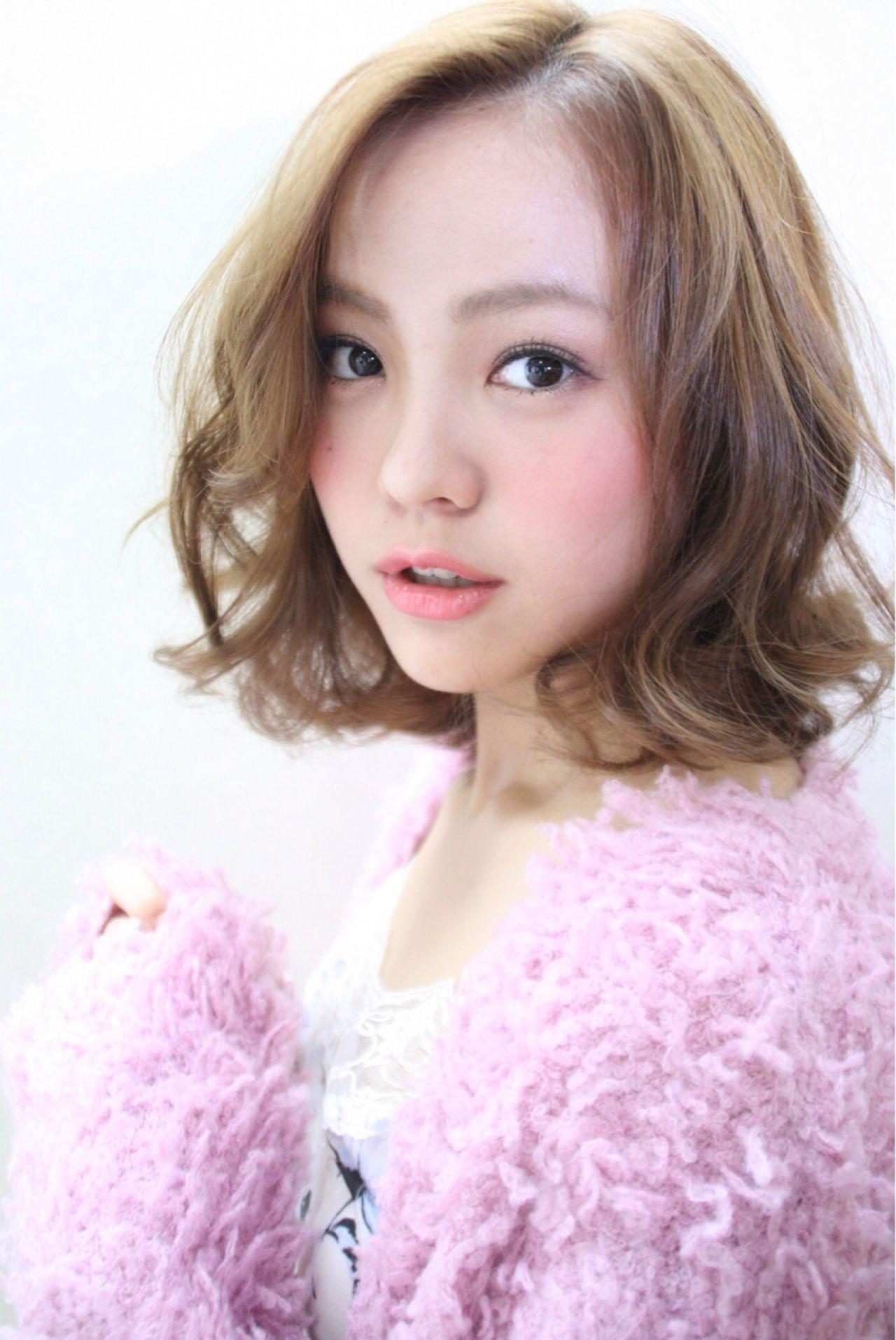 小顔に見せる効果抜群。自然でキュートな印象を生み出す魔法の前髪♡ Yusuke Miichi