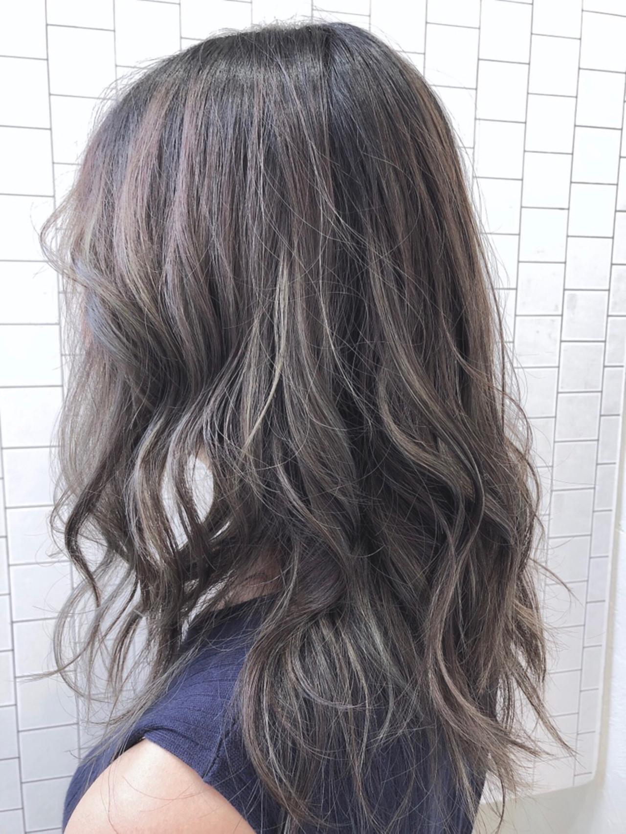 ナチュラル セミロング イルミナカラー 透明感カラー ヘアスタイルや髪型の写真・画像