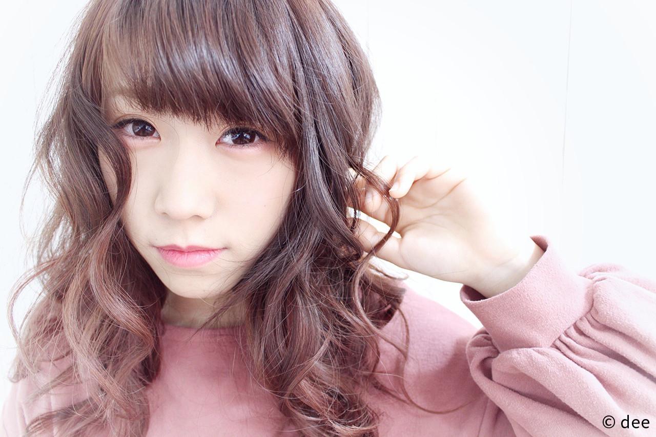 ベージュ ピンク ダブルカラー ガーリー ヘアスタイルや髪型の写真・画像 | dee / dee