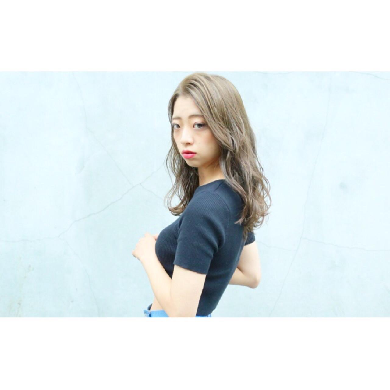 大人かわいい ゆるふわ ロング 外国人風 ヘアスタイルや髪型の写真・画像   AKI / park by merry / park by merry