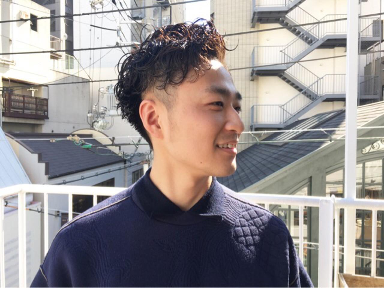 ハンサム メンズヘア メンズパーマ 黒髪 ヘアスタイルや髪型の写真・画像 | COM PASS タイチ / COM PASS