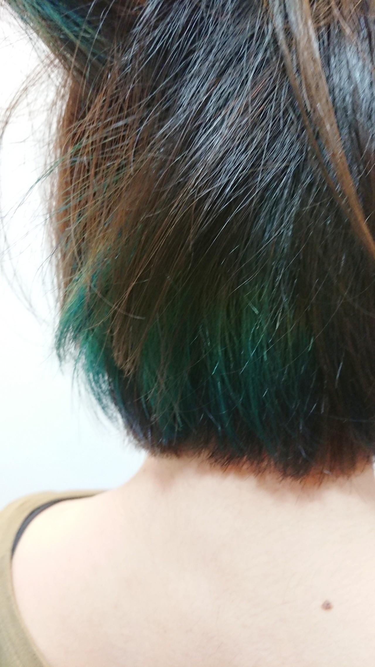 アウトドア ショート インナーカラー ストリート ヘアスタイルや髪型の写真・画像
