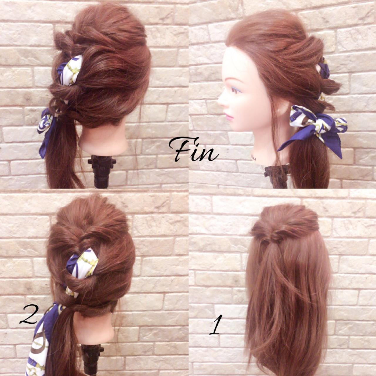 スカーフを一緒に編み込んでおしゃれしよう!  1.左寄りに黒目横からとった髪をくるりんぱ 2.1の髪にスカーフを巻きつけて、残りの髪を編み込む  それをくずしたら完成っ!! 春らしくスカーフでひとアレンジしましょう♡