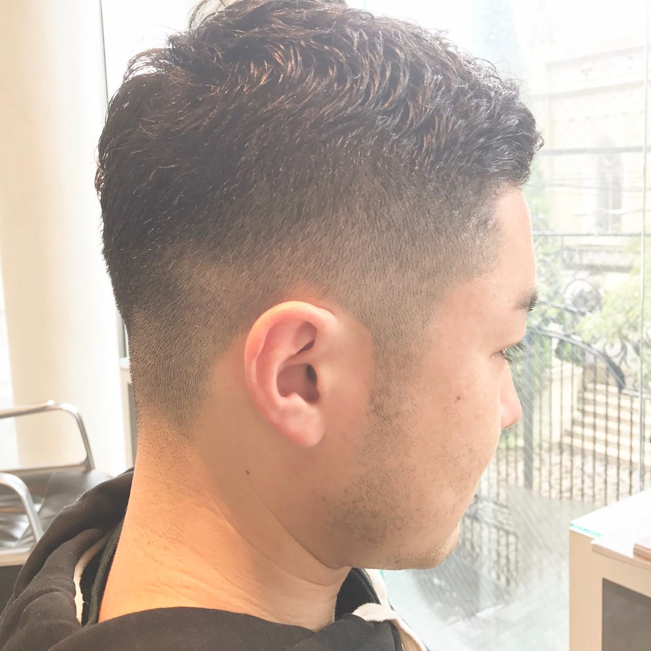 メンズの刈り上げショートヘア