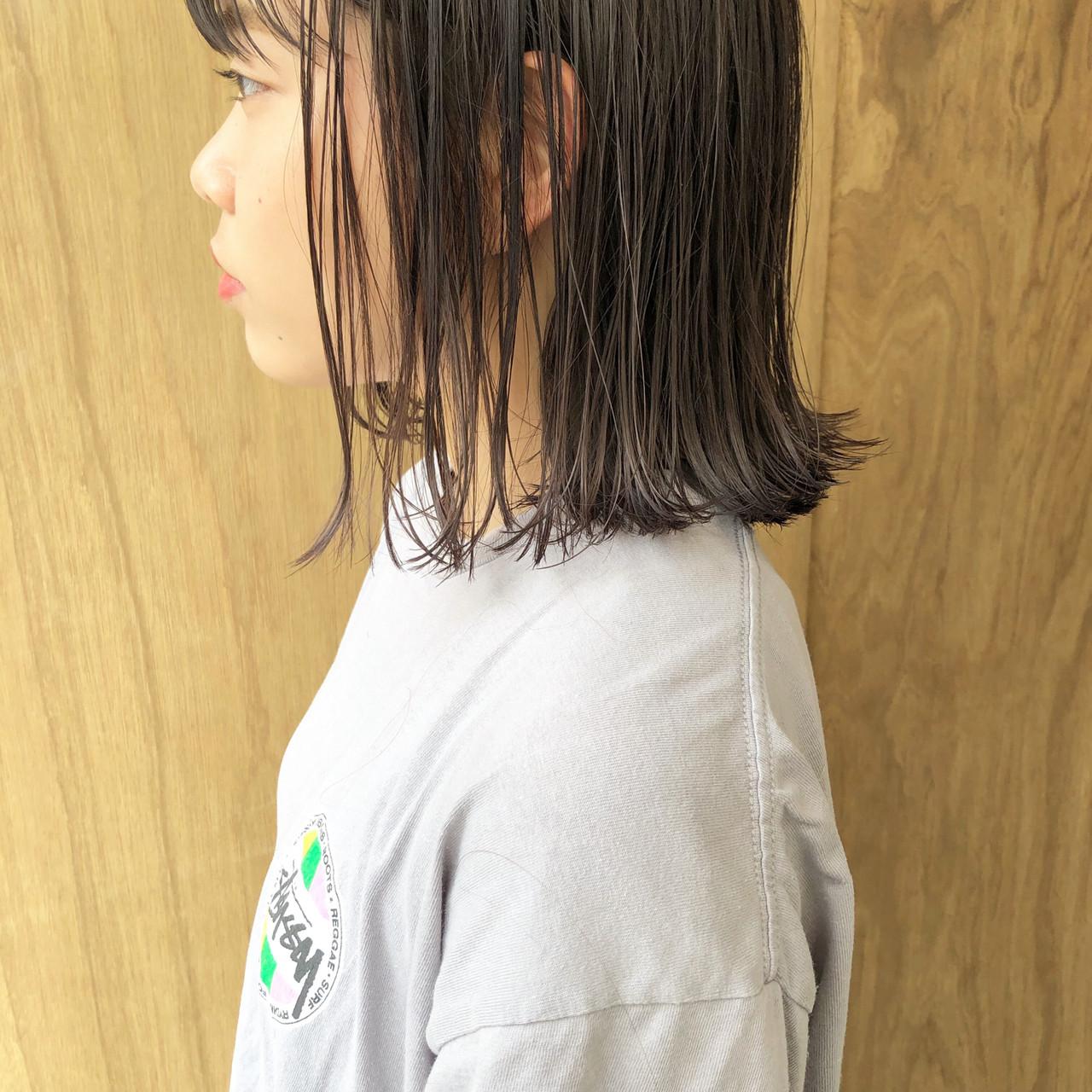 インナーカラー ボブ ナチュラル 切りっぱなしボブ ヘアスタイルや髪型の写真・画像 | 松井勇樹 / TWiGGY  歩行町店