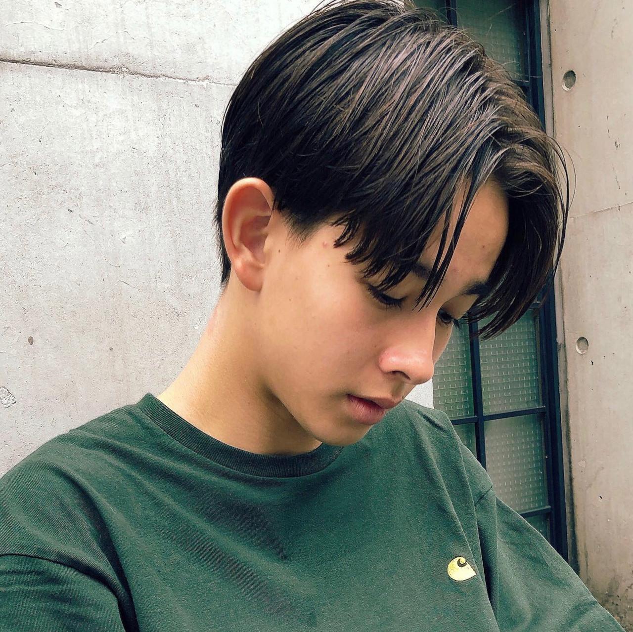 メンズカジュアル メンズパーマ ナチュラル ショート ヘアスタイルや髪型の写真・画像