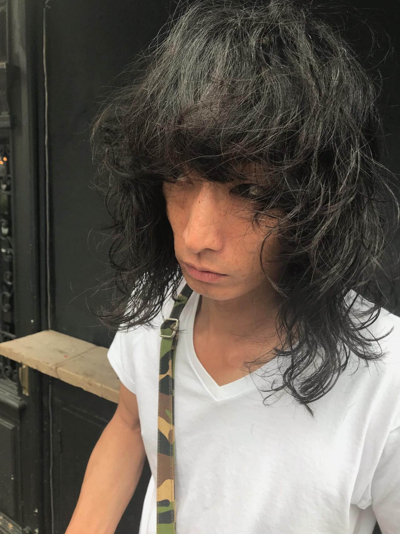 セミロング レイヤーカット ウルフカット パーマ ヘアスタイルや髪型の写真・画像