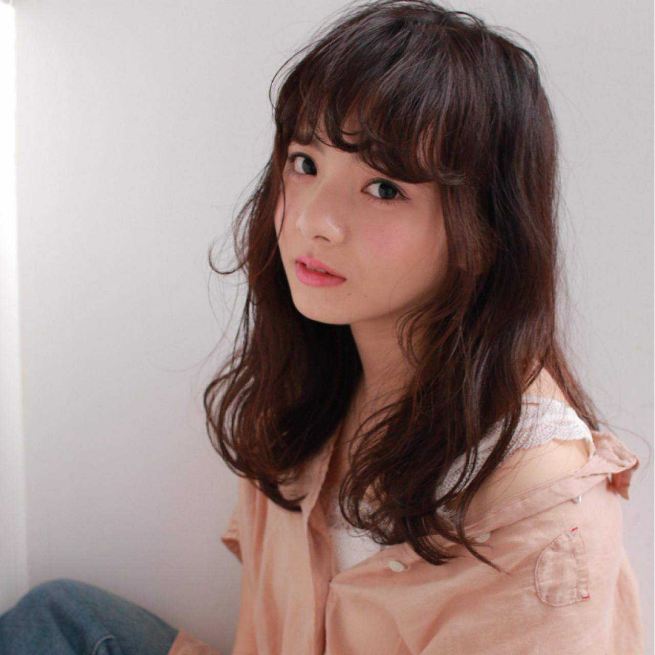 フリンジバング こなれ感 アッシュ 大人女子 ヘアスタイルや髪型の写真・画像   吉岡 久美子 / Ravo HAIR / Ravo HAIR