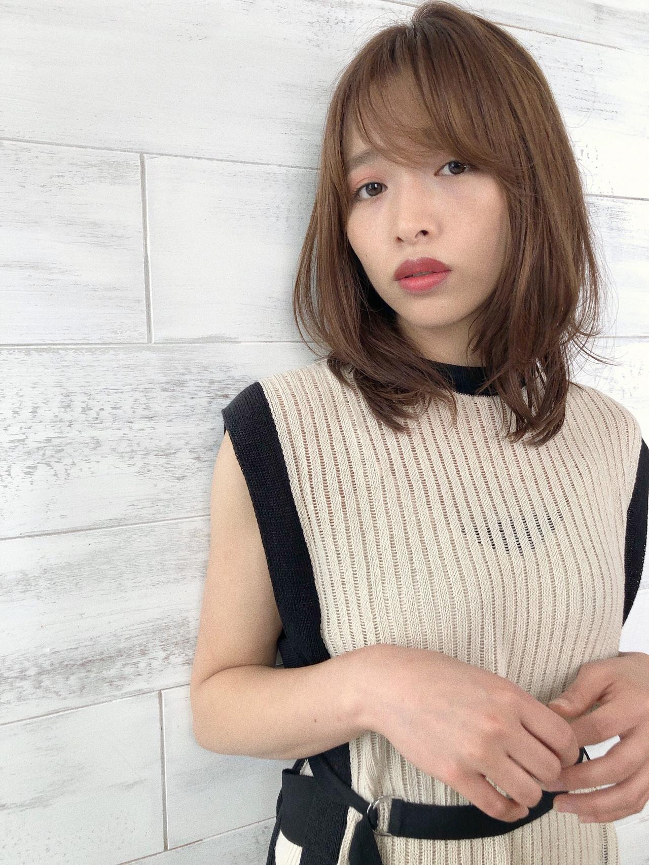 ミディアム アンニュイほつれヘア パーマ デート ヘアスタイルや髪型の写真・画像