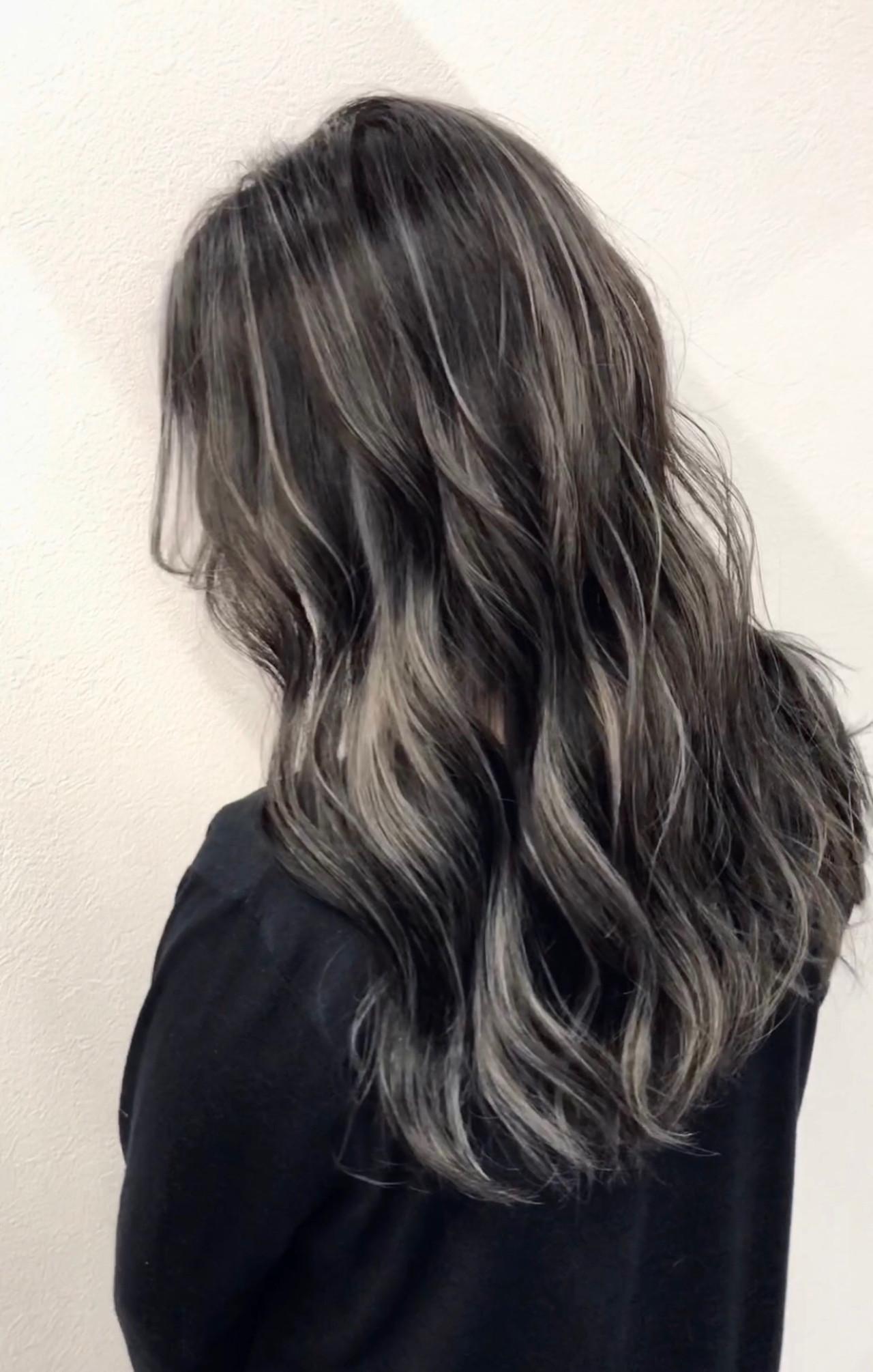 外国人風カラー シルバーグレー セミロング コントラストハイライト ヘアスタイルや髪型の写真・画像   アンドウ ユウ / agu hair edge