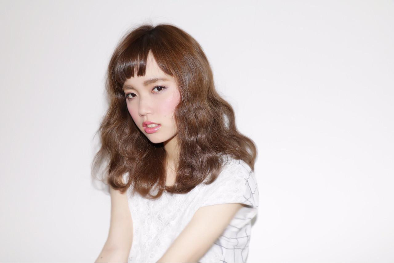 抜け感 ウェーブ セミロング 外国人風 ヘアスタイルや髪型の写真・画像 | YOKO /