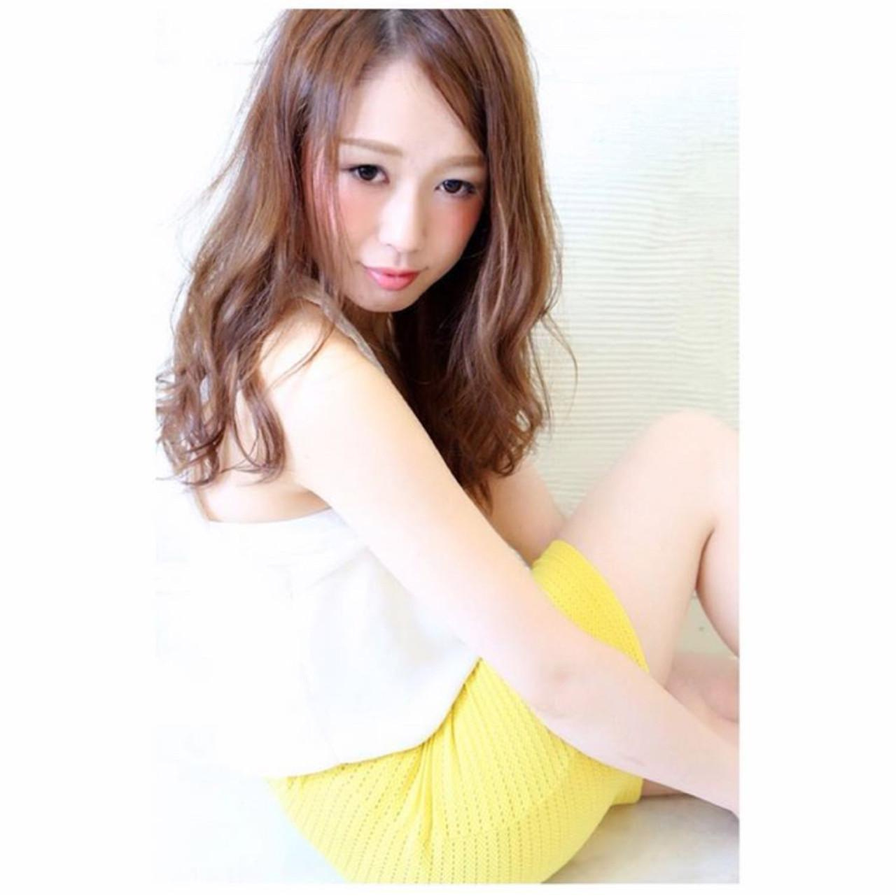 ゆるふわ 透明感 フェミニン セミロング ヘアスタイルや髪型の写真・画像 | 桐谷 芽依 /