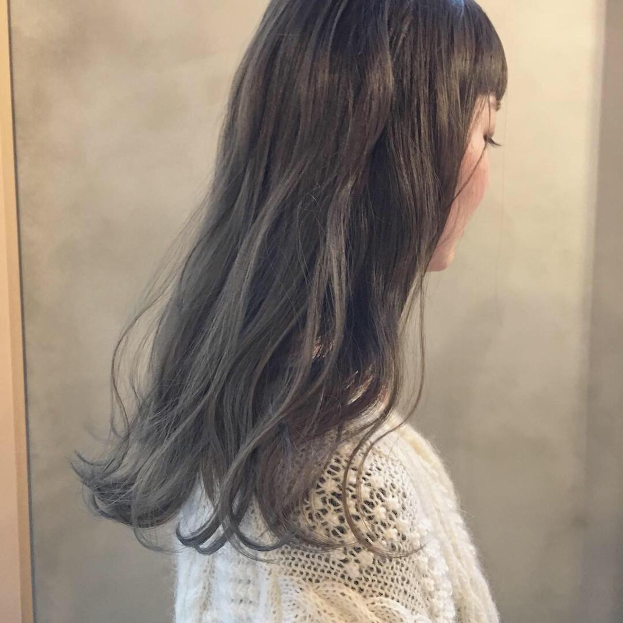 外国人風カラー ナチュラル ヘアアレンジ スモーキーカラー ヘアスタイルや髪型の写真・画像