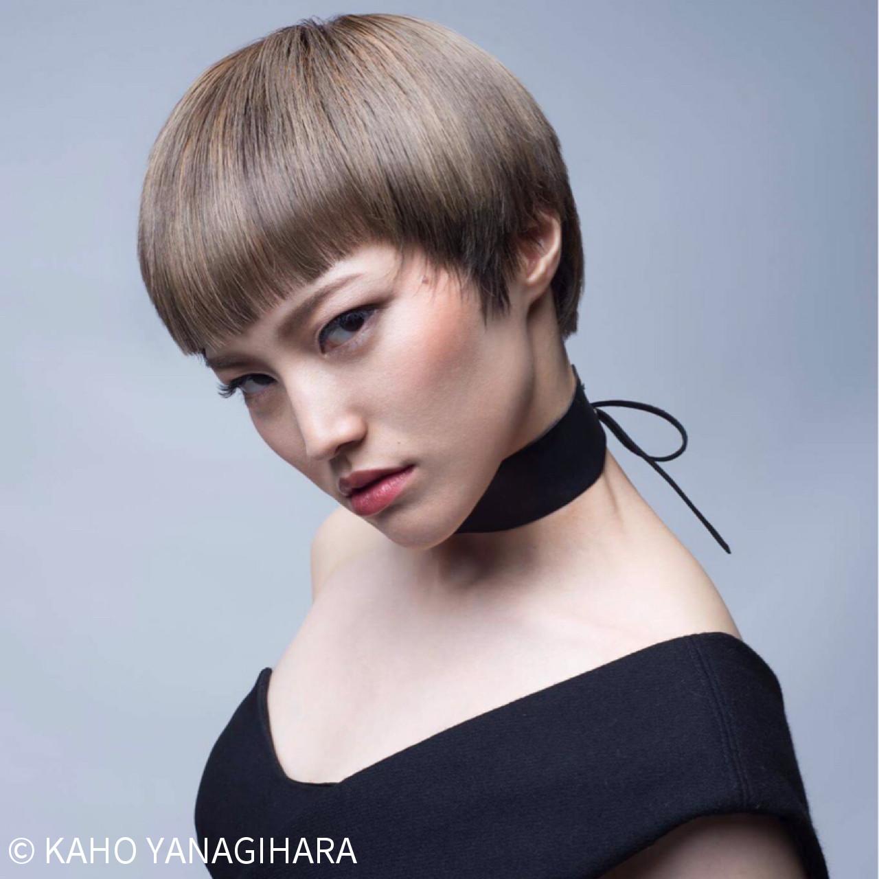 外国人風 ベリーショート ショート アッシュ ヘアスタイルや髪型の写真・画像 | KAHO YANAGIHARA /