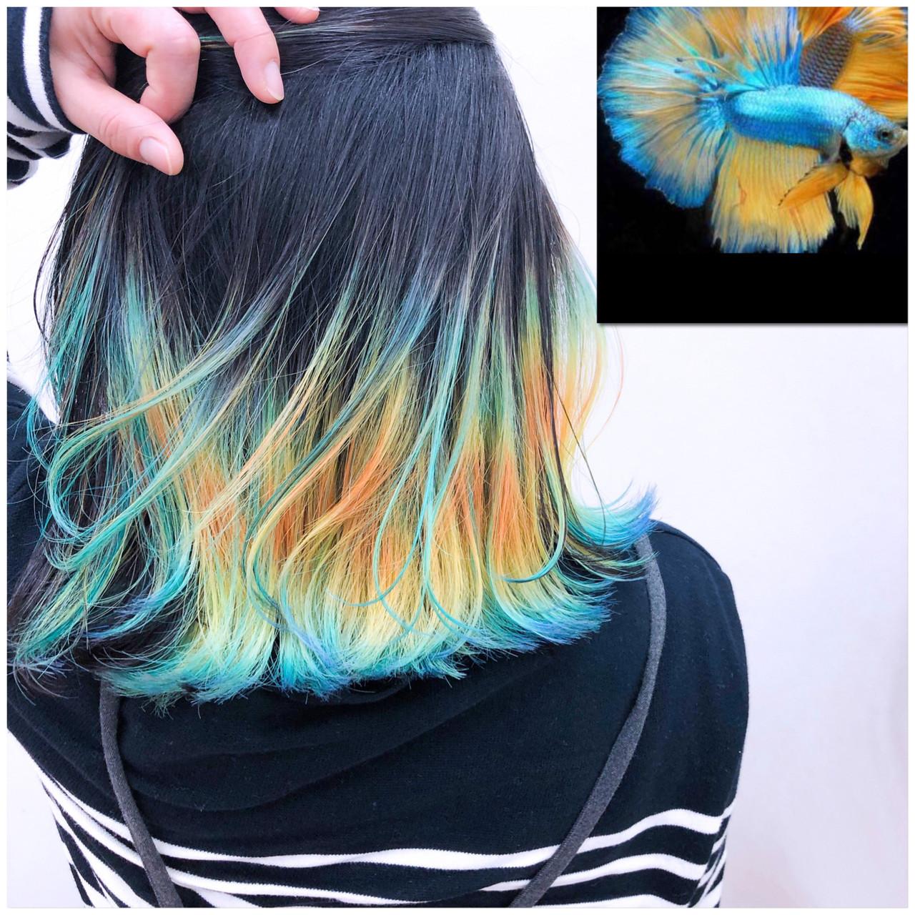 派手髪 インナーカラー ハイトーンカラー ストリート ヘアスタイルや髪型の写真・画像