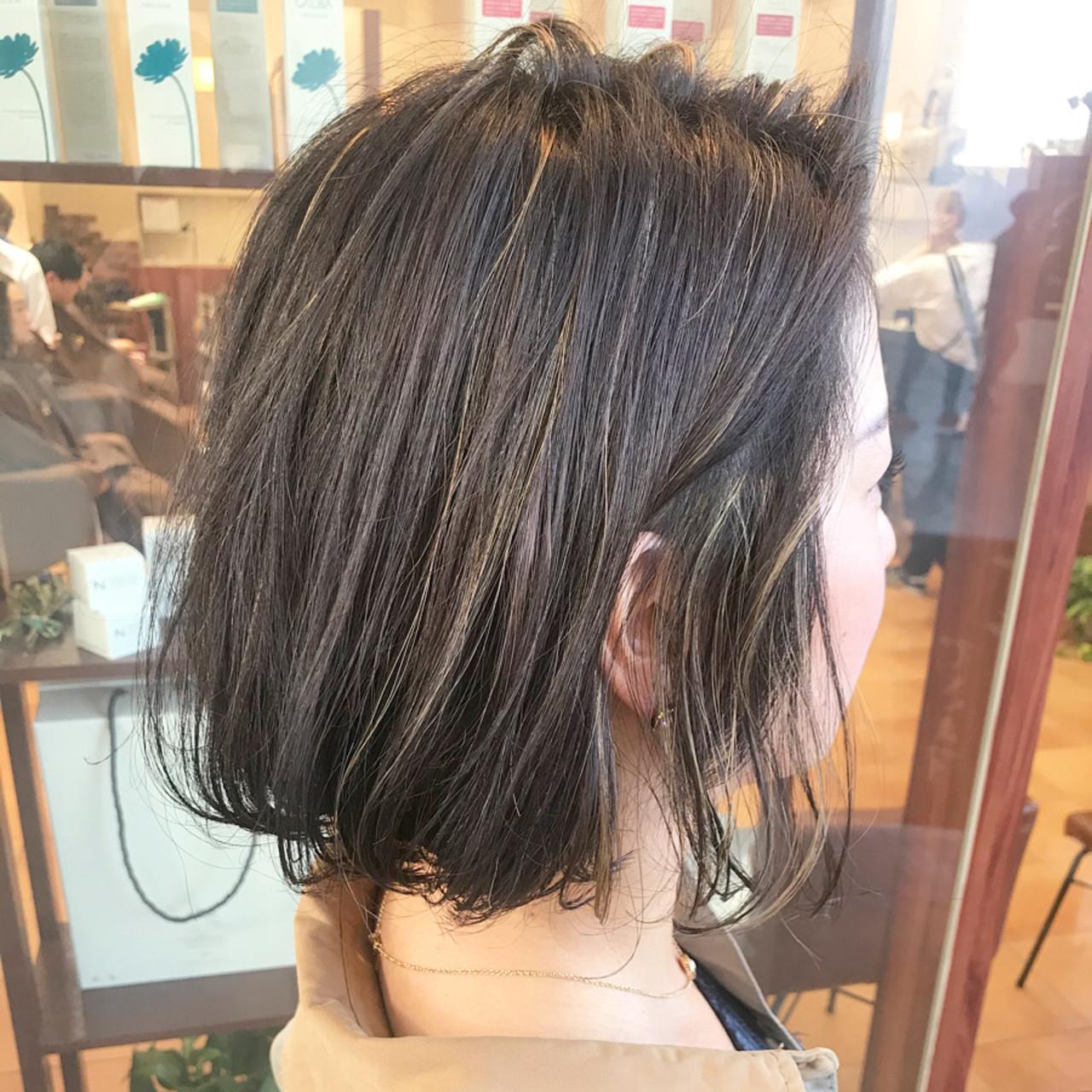 ショートボブ ミニボブ オフィス ハイライト ヘアスタイルや髪型の写真・画像