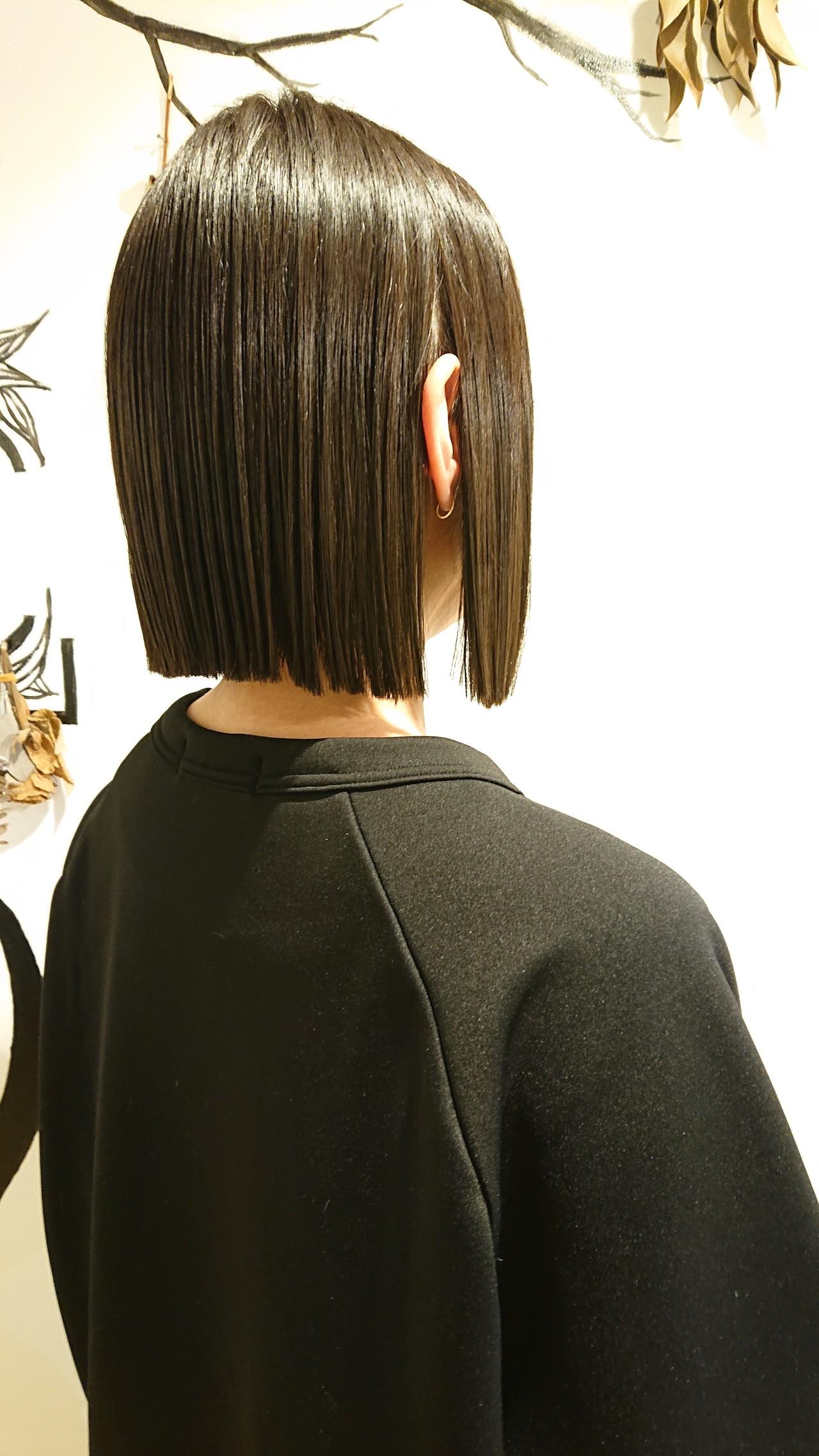 ショートヘア ボブ 切りっぱなし 暗髪 ヘアスタイルや髪型の写真・画像