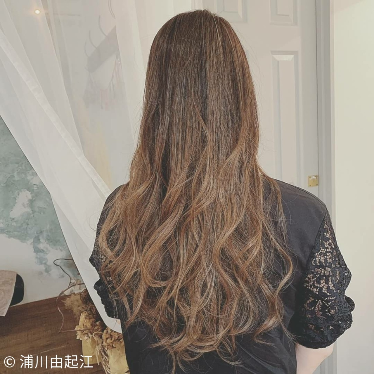 秋冬スタイル デート 大人かわいい エレガント ヘアスタイルや髪型の写真・画像