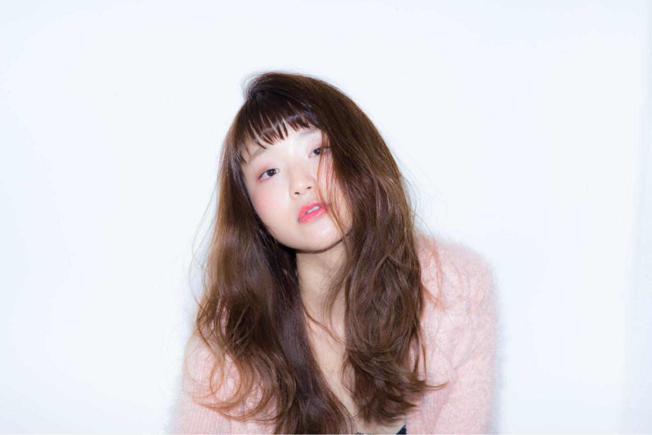 大人女子 小顔 ロング ガーリー ヘアスタイルや髪型の写真・画像 | 奥野 勇気 / apa kabar(アパカバール)