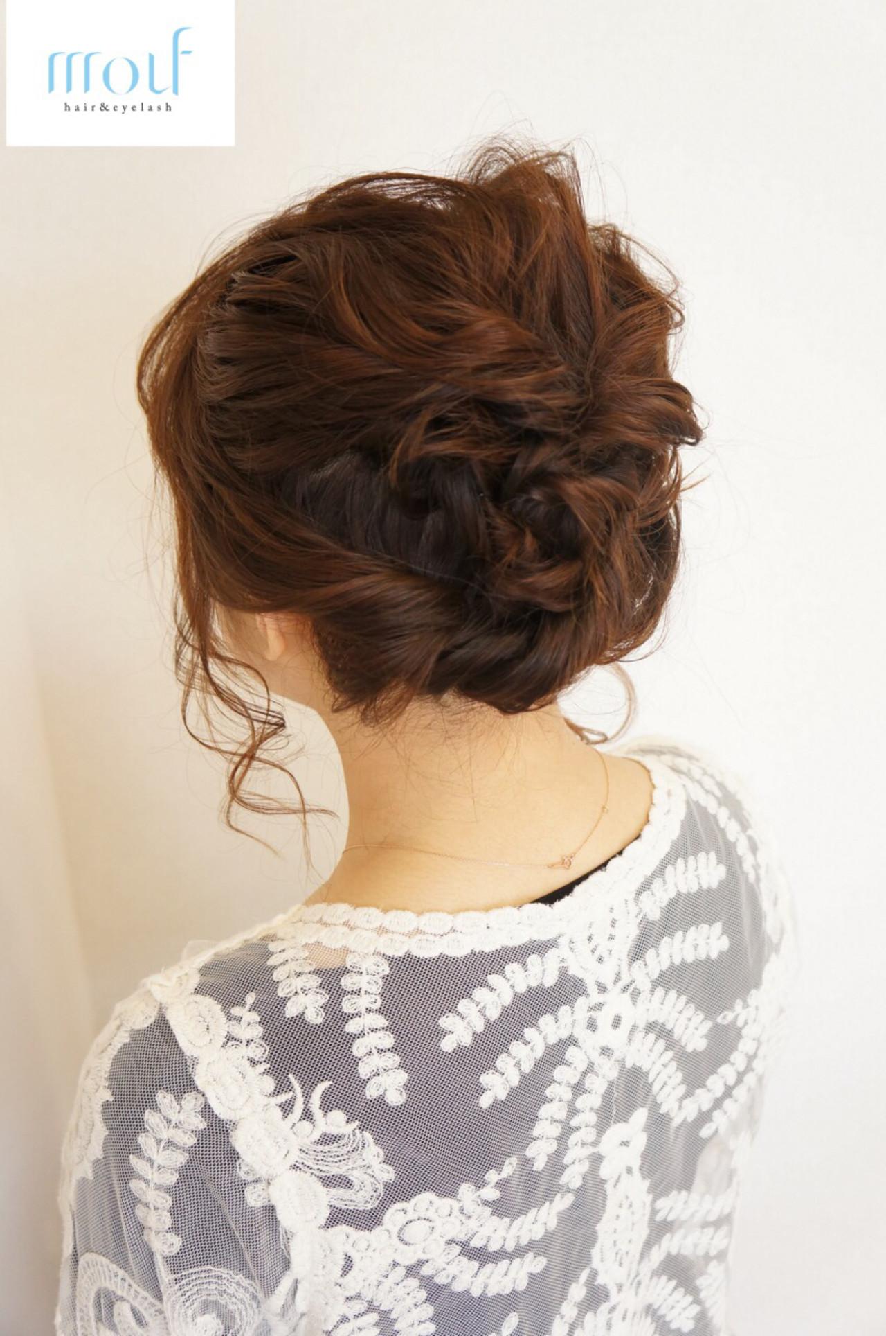 ミディアム くるりんぱ 波ウェーブ 編み込み ヘアスタイルや髪型の写真・画像