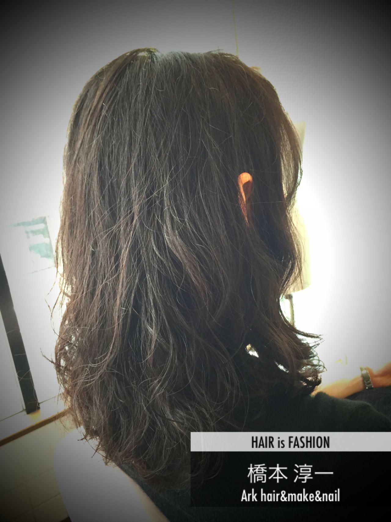 パーマ 暗髪 黒髪 外国人風 ヘアスタイルや髪型の写真・画像