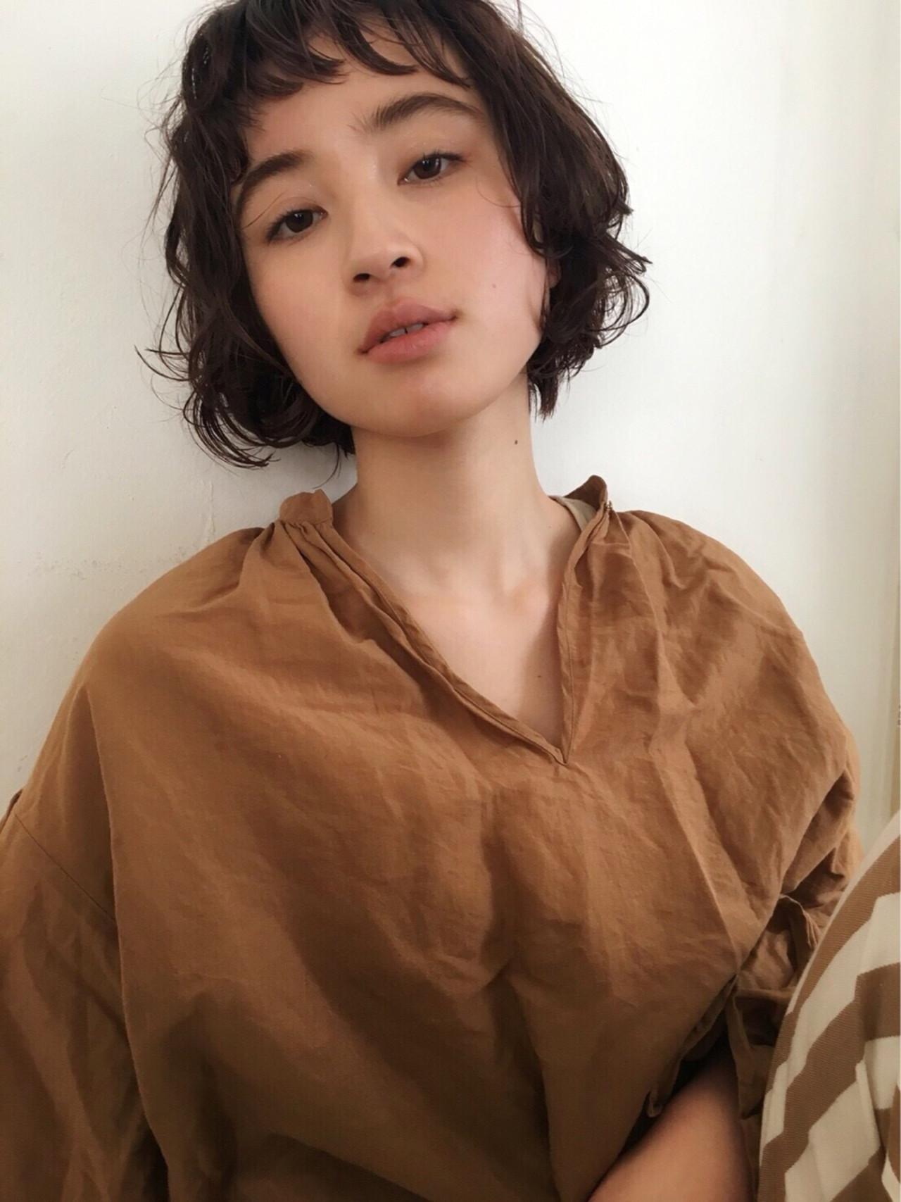 ナチュラル アンニュイ ショート パーマ ヘアスタイルや髪型の写真・画像
