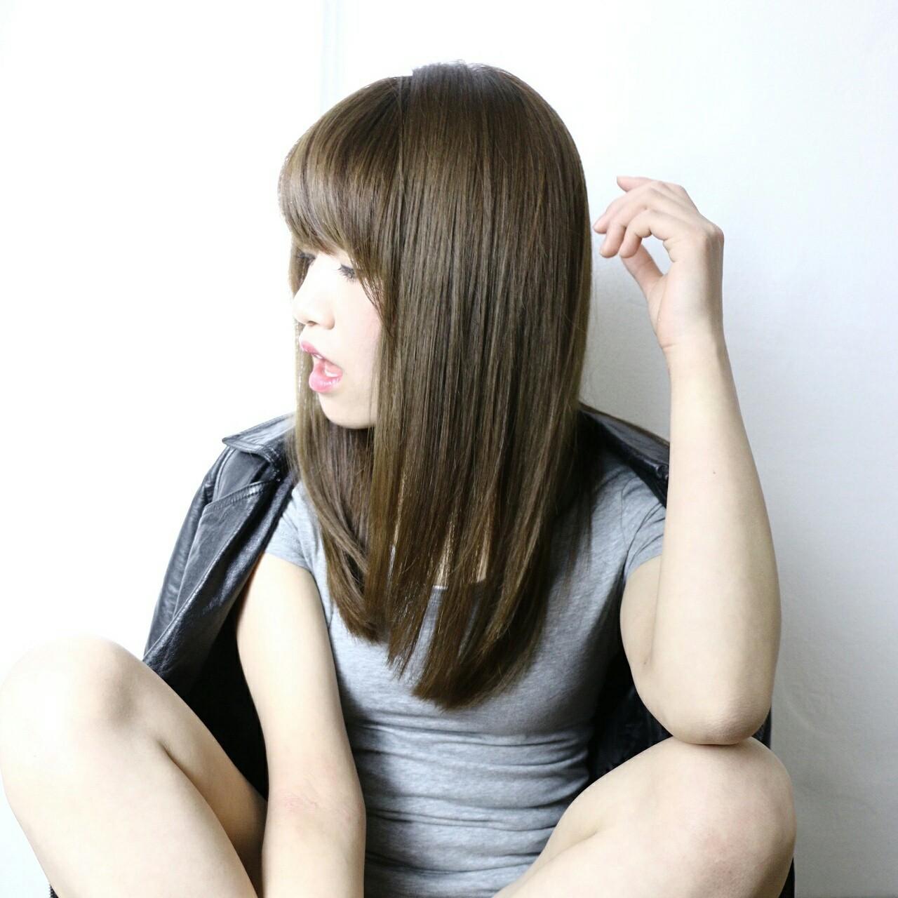 アッシュ ストレート 前髪あり 暗髪 ヘアスタイルや髪型の写真・画像 | 澤近 直輝 / grace by afloat