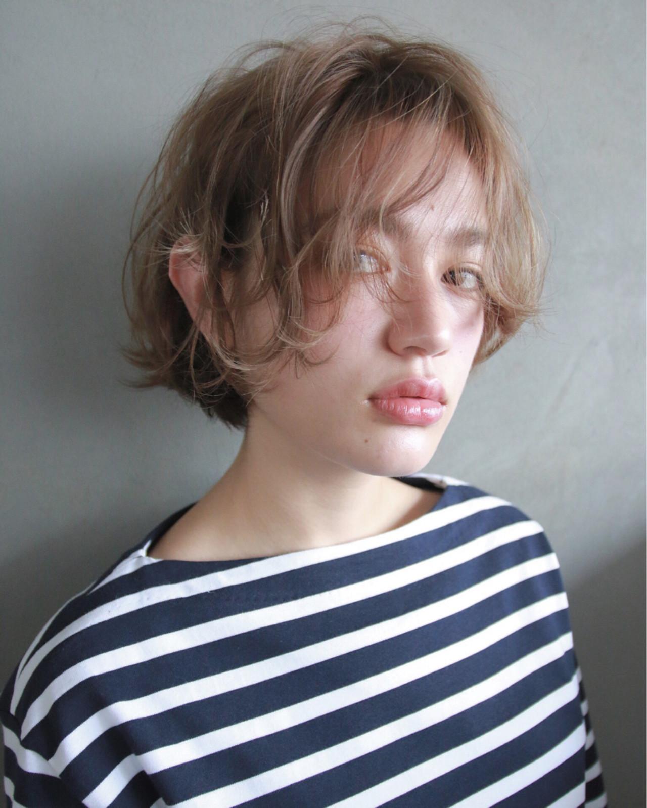 パーマ アッシュ ボブ くせ毛風 ヘアスタイルや髪型の写真・画像