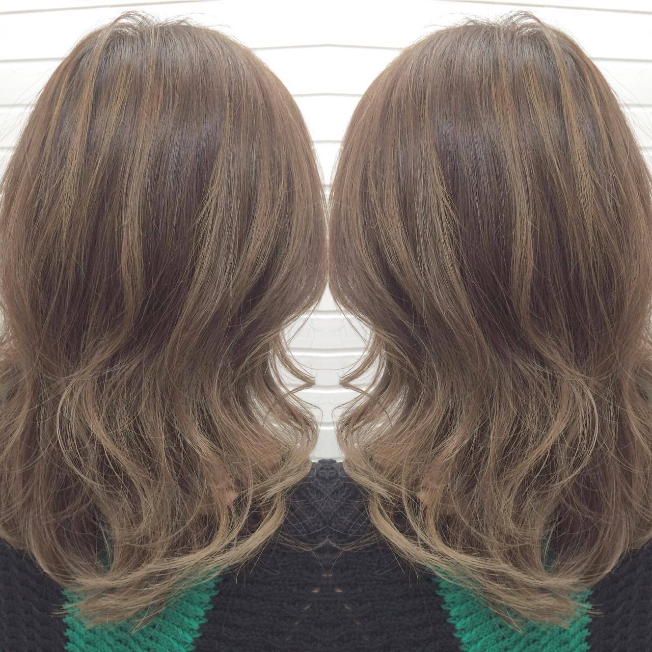 ハイライト ガーリー 外国人風 グレージュ ヘアスタイルや髪型の写真・画像 | universe / hairspaceuniverse