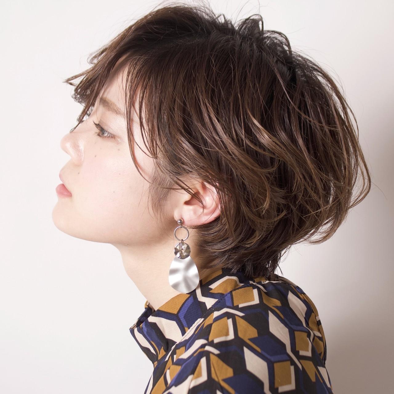 簡単ヘアアレンジ パーマ デート アンニュイほつれヘア ヘアスタイルや髪型の写真・画像 | 中高下 由真(なかこうげ ゆうま) / BEAUTRIUM 表参道店