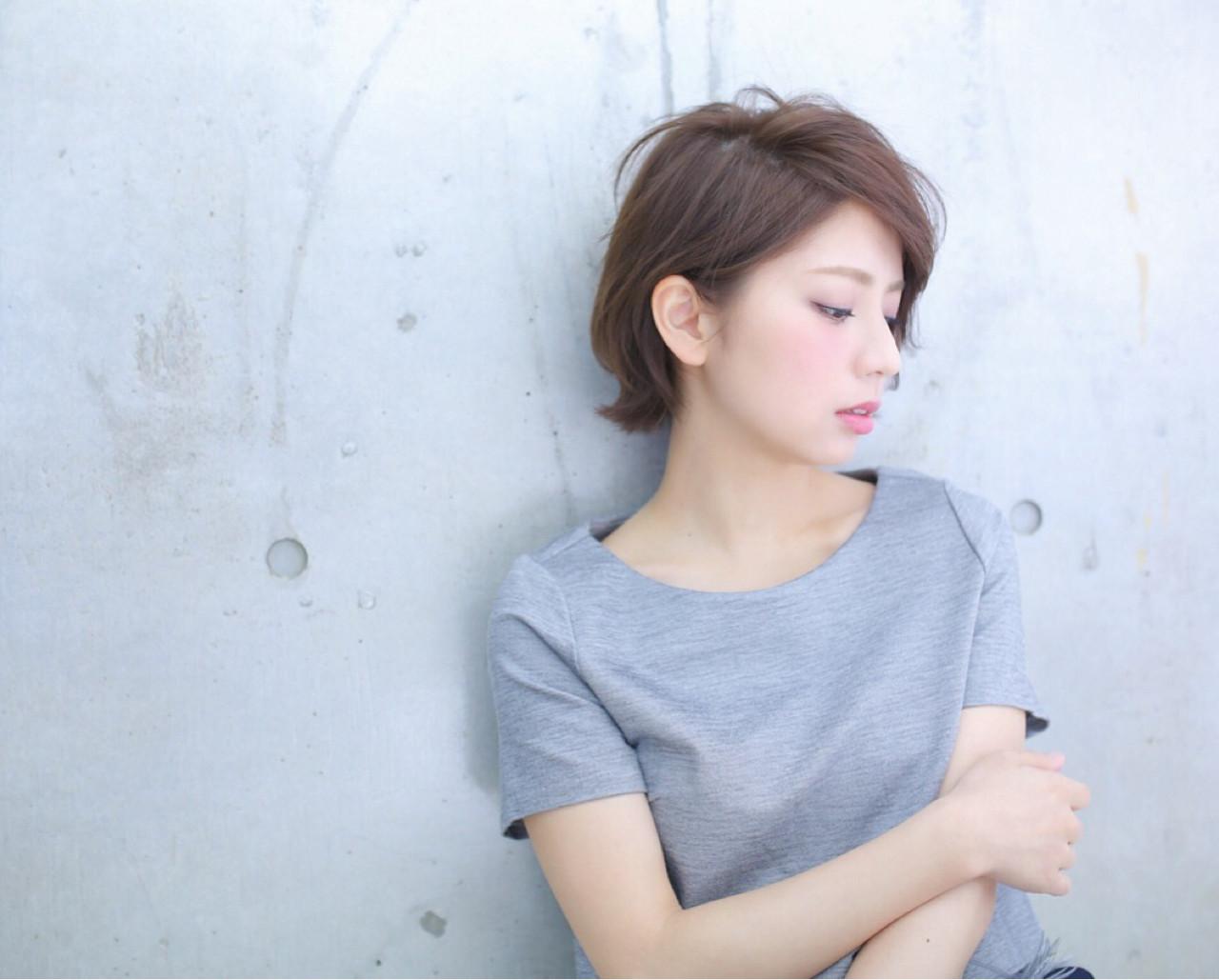 フェミニン ショートバング ボブ 透明感 ヘアスタイルや髪型の写真・画像 | 高瀬 功二 / Liliy