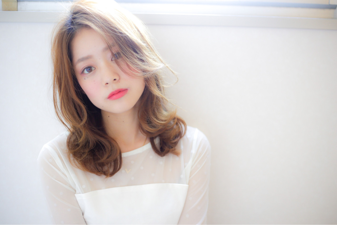 フェミニン 大人かわいい グラデーションカラー 暗髪 ヘアスタイルや髪型の写真・画像
