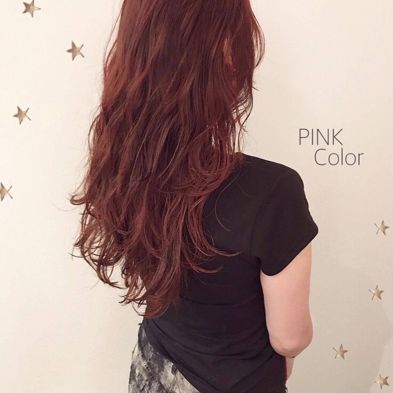 ピンク ストリート ゆるナチュラル ゆる巻き ヘアスタイルや髪型の写真・画像
