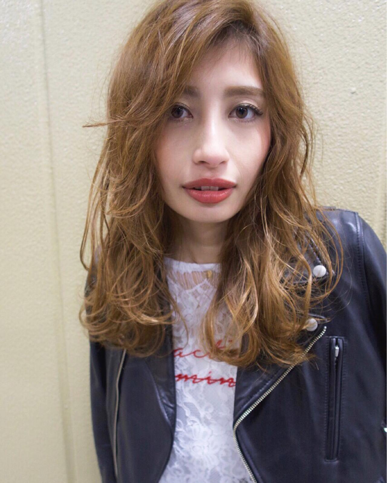 外国人風 外国人風カラー ロング グレージュ ヘアスタイルや髪型の写真・画像