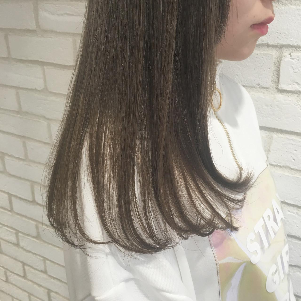 ナチュラル セミロング 縮毛矯正 トリートメント ヘアスタイルや髪型の写真・画像