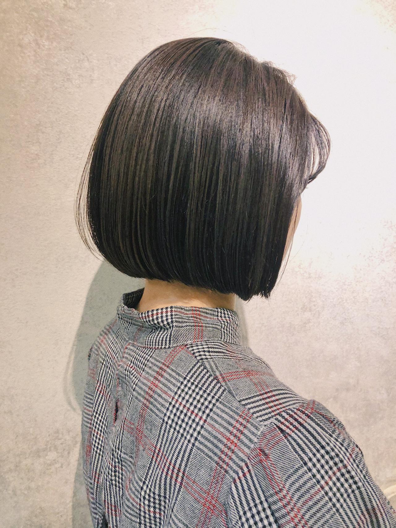 ナチュラル ショートボブ インナーカラー ミニボブ ヘアスタイルや髪型の写真・画像   鈴木 拓人 / THOiRY