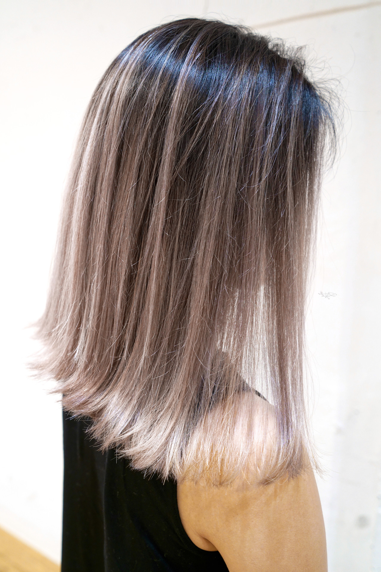 グレージュ ローライト バレイヤージュ 外国人風カラー ヘアスタイルや髪型の写真・画像
