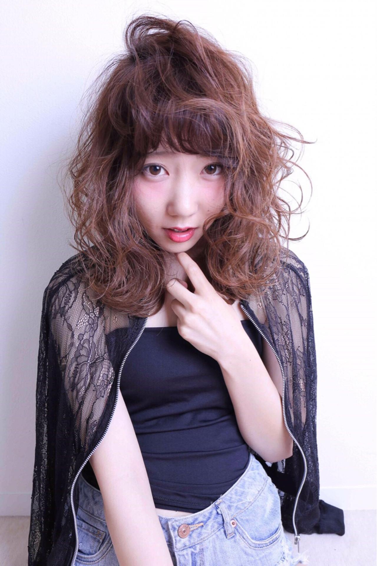 ミディアム 大人かわいい モード アッシュ ヘアスタイルや髪型の写真・画像