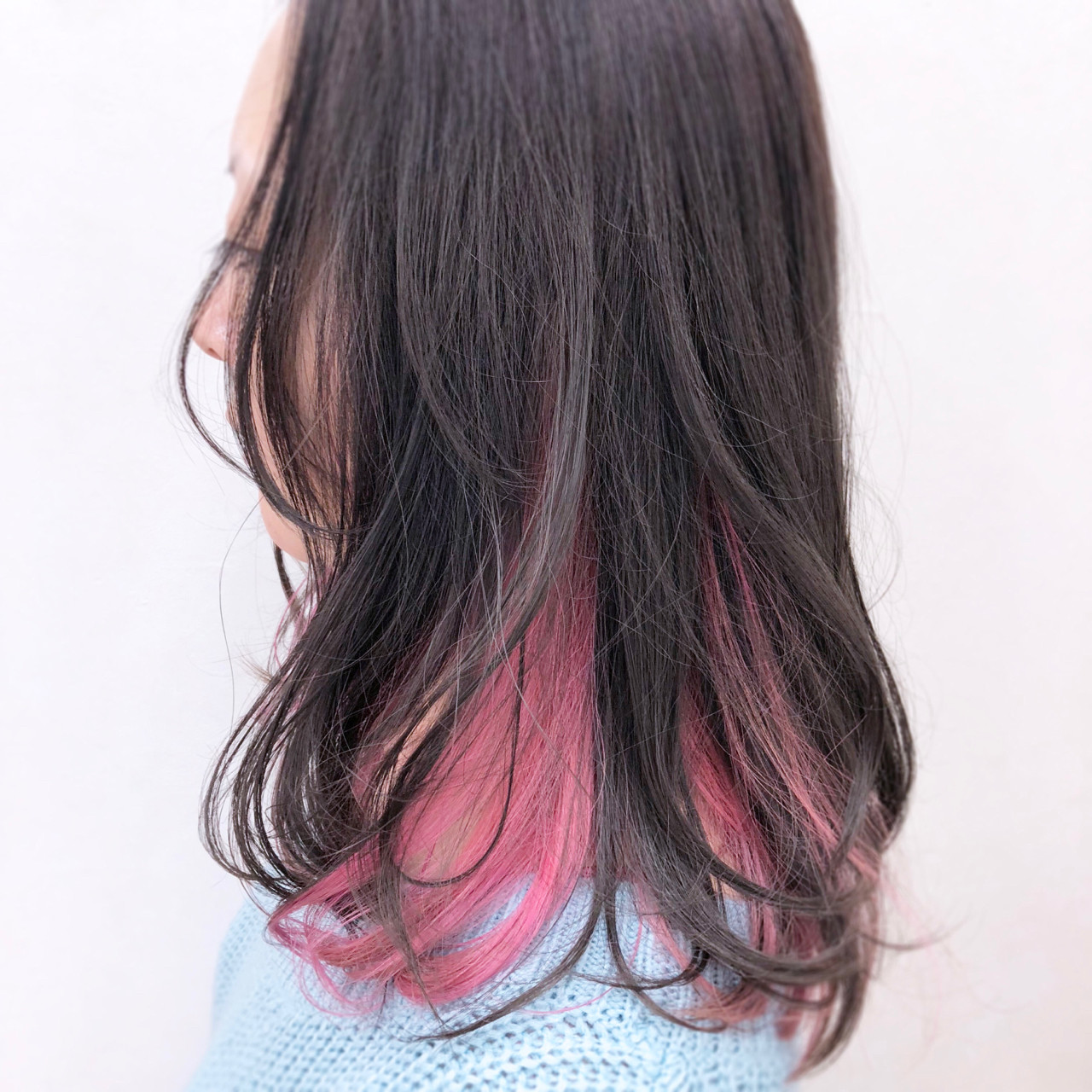 ゆるふわ インナーカラー フェミニン ブリーチ ヘアスタイルや髪型の写真・画像